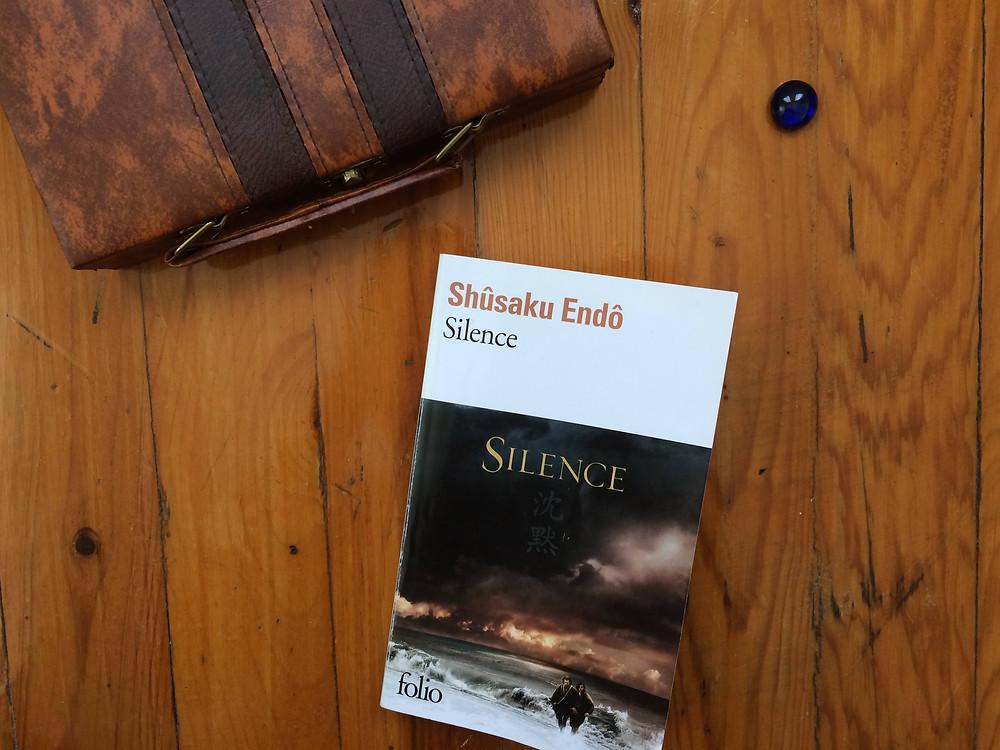 "Photo du livre ""Silence"" de Shusakû Endô (2)"