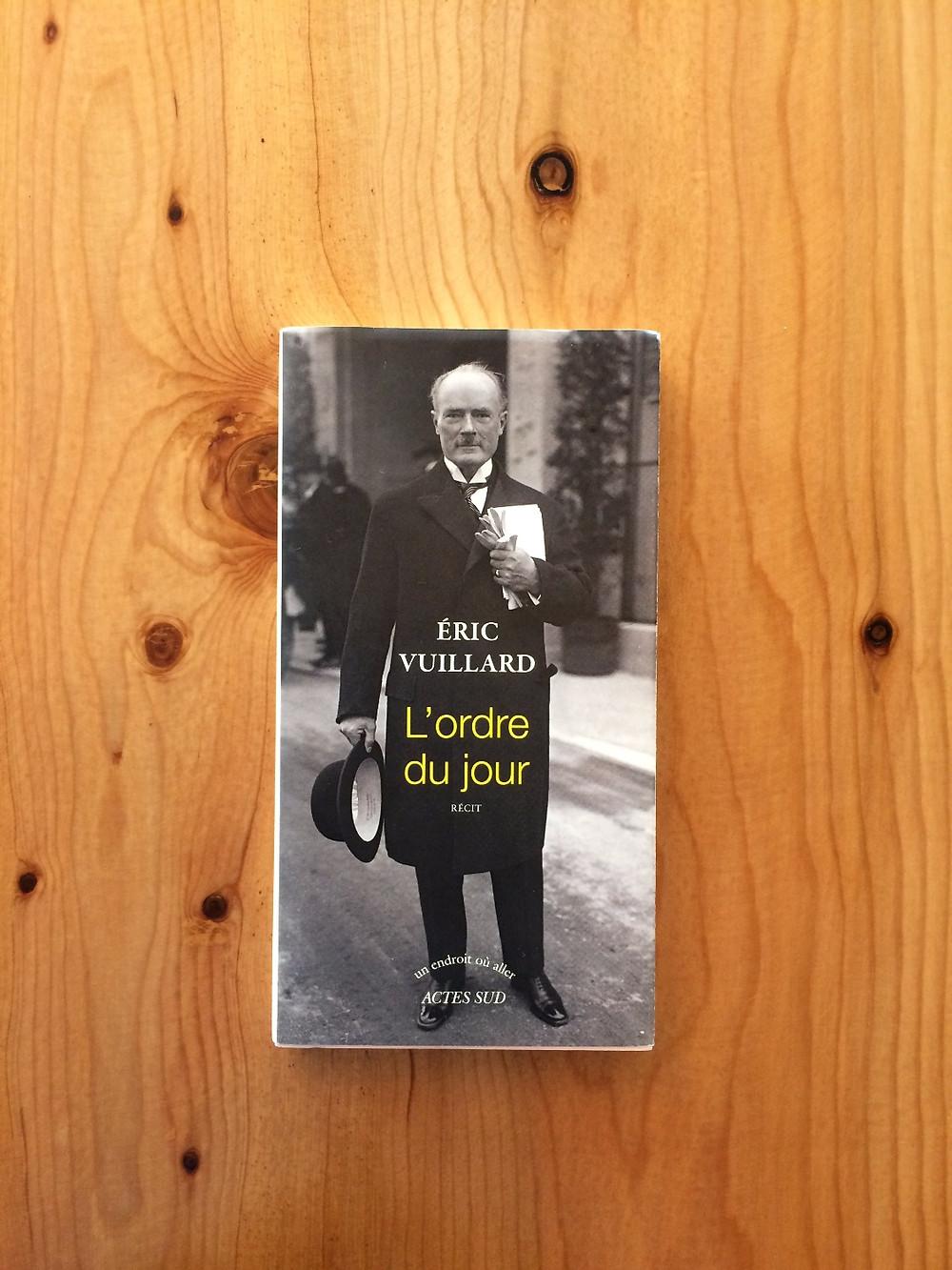"""Photo du livre """"L'ordre du jour"""" d'Éric Vuillard (1)"""