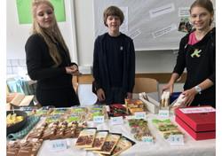 Fairtrade-Verkauf beim Schulfest
