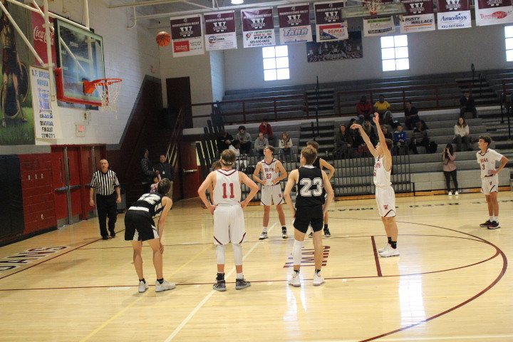 Ty Steisslinger nails a free throw.