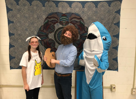 Students Dress up for Meme, Tic Toc Day on First day of Homecoming Week