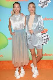 Lisa and Lena Mantler at the 2019 Kids Choice Awards