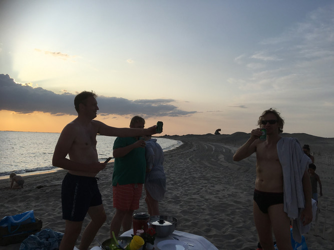 pappa's op het strand.JPG