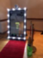 Selfie Mirror.png