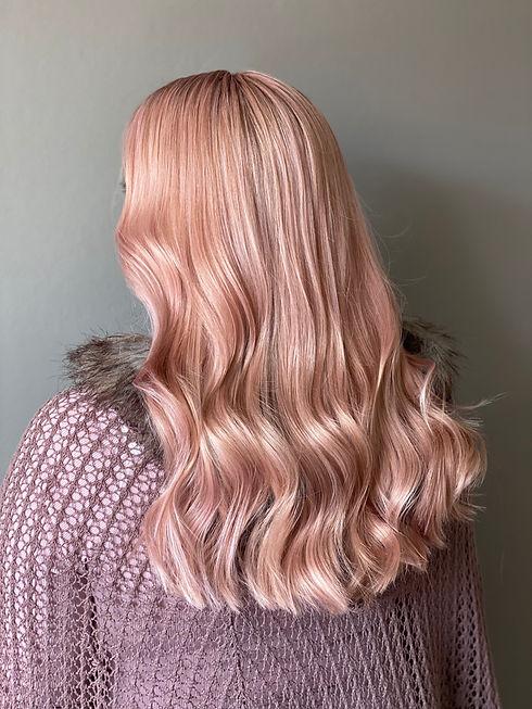 tjej rosa hår.jpg