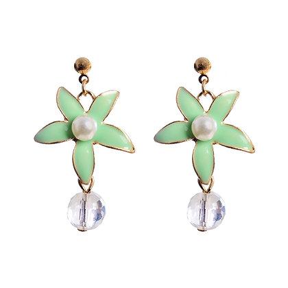 Do A Twirl In Mint & Pearl Earrings
