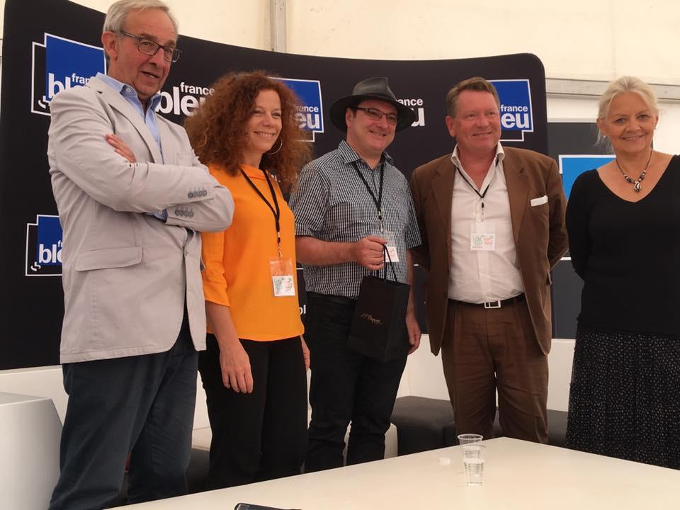 Sébastien Lepetit reçoit le prix de la plus belle dédicace au Livre sur la Place 2016 à Nancy