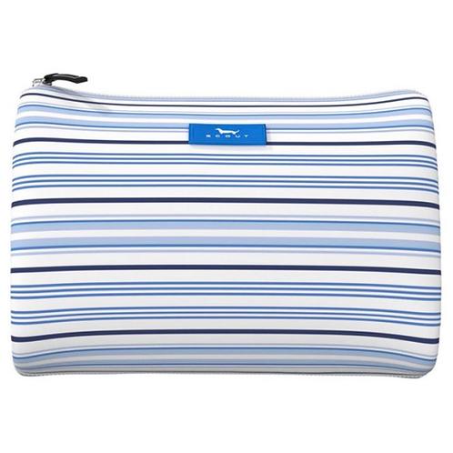 Scout packin heat in blue stripes