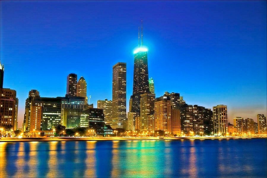 chicago-skyline-at-night-pawelgaul_edite