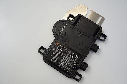 Enphase-Microinverter-IQ-7-Image-3-696x4