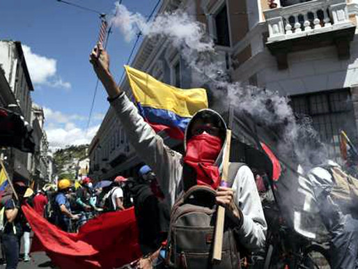 ECUADOR. INHABILITAN A CORREA