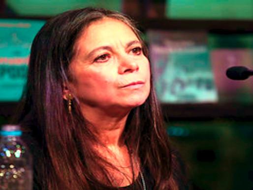 Carmen Boullosa: no queremos santos, sino estrategas con oídos