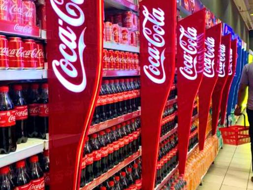 Coca cola, envenena a quien la consume y acaba con el agua.
