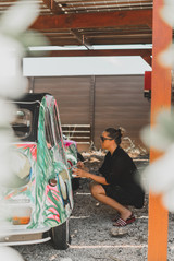 Painting a Citroen 2CV  at Kontiki Beach Resort Curacao
