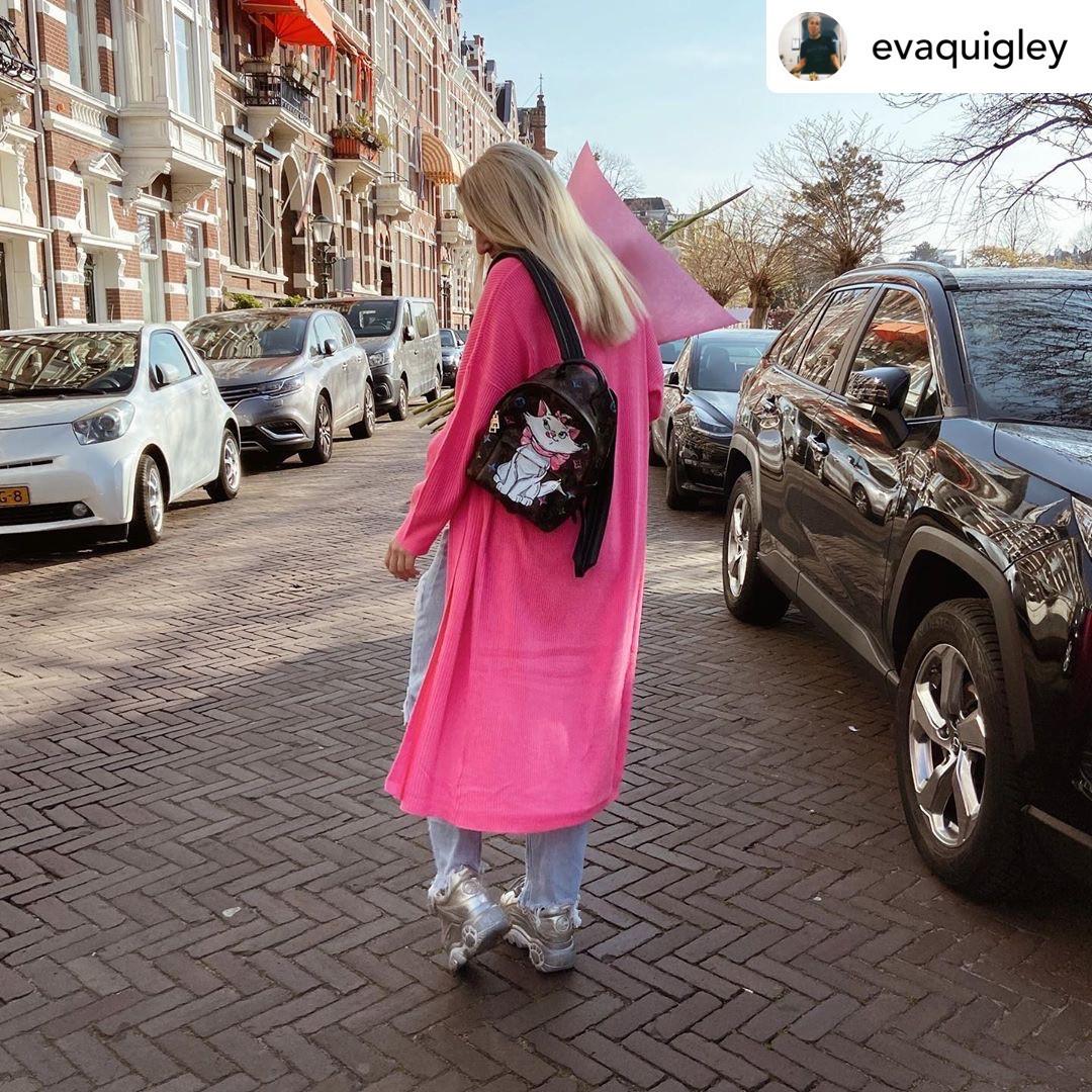 Eva with customized Linchy bag