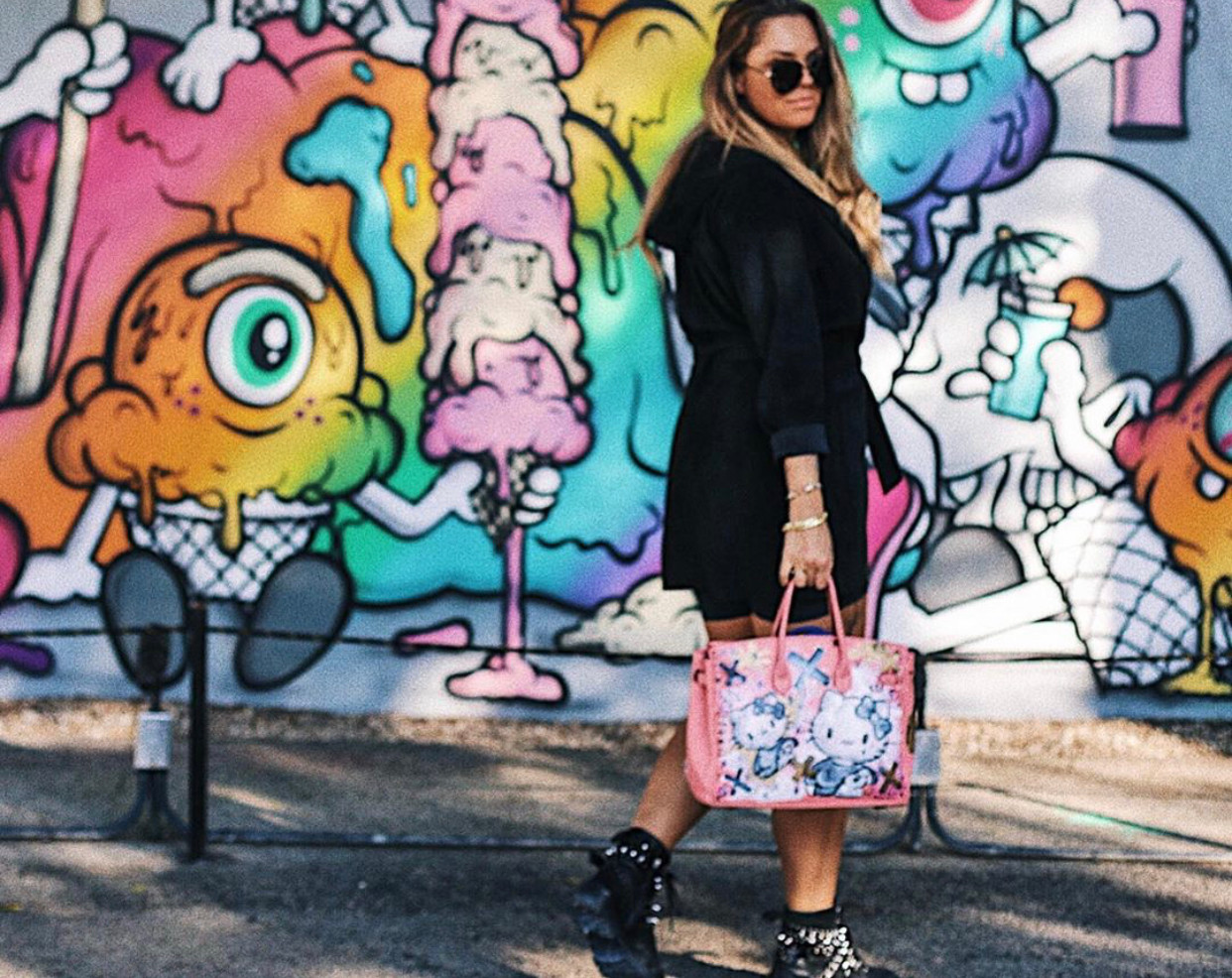 EvLinche with a customized bag