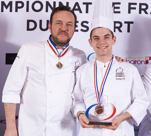 {Concours} Thomas Pol, dessert de bronze au Championnat de France des desserts