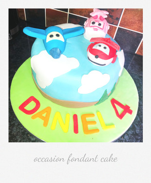 planes fondant cake