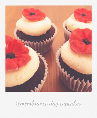 remebrance day cupcakes