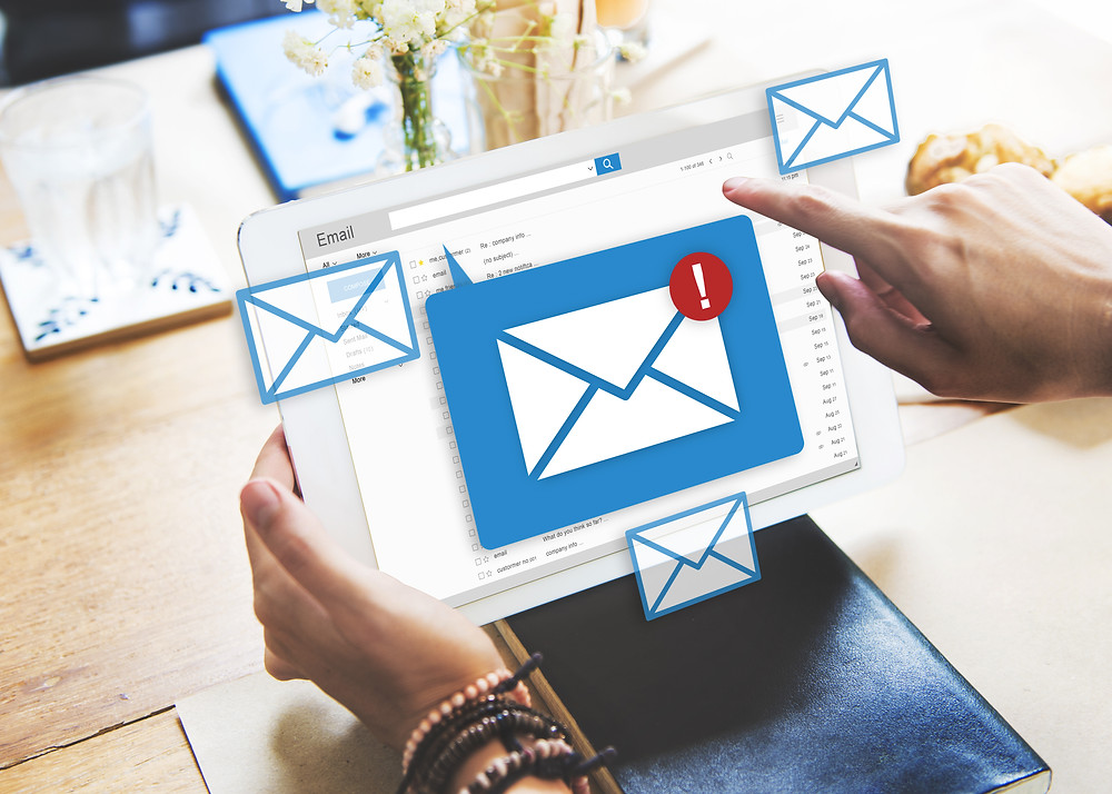 Managing email records in M365