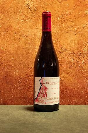 """Bourgogne """"Chevalier D'eon"""" 2016 Vignoble Dampt"""