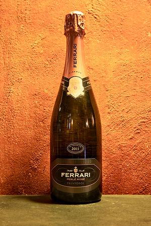 Perlé Rosé Riserva 2011 Ferrari