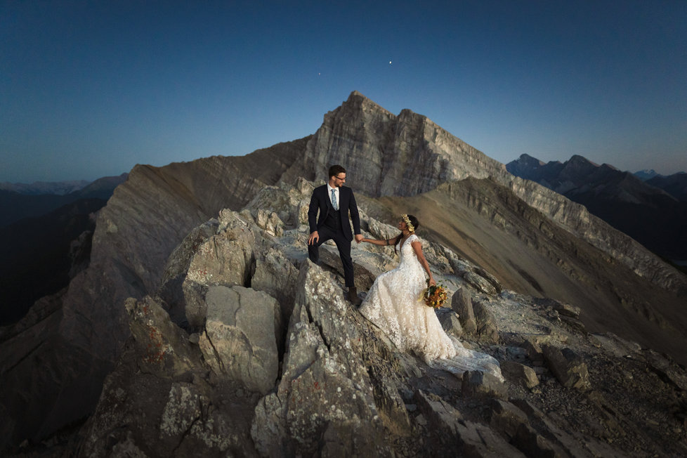 Ha Ling Canmore sunset wedding photos
