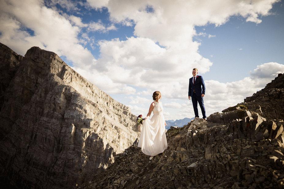 Banff hiking elopement photographer
