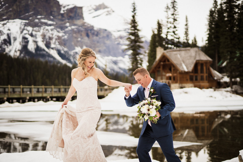 Banff wedding photographer at Emerald Lake for winter wedding