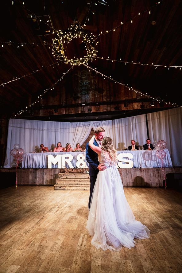 Cornerstone Theatre wedding photographer capturing first dance