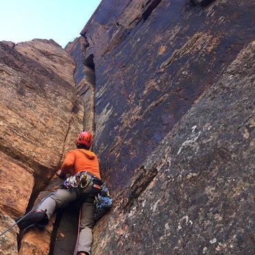Alex Popov Photography rock climbing in Utah