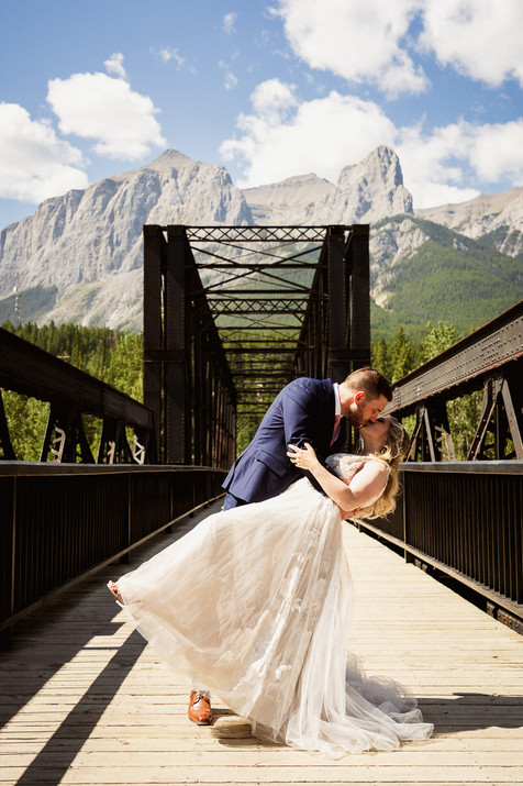 Wedding photo locations in Canmore
