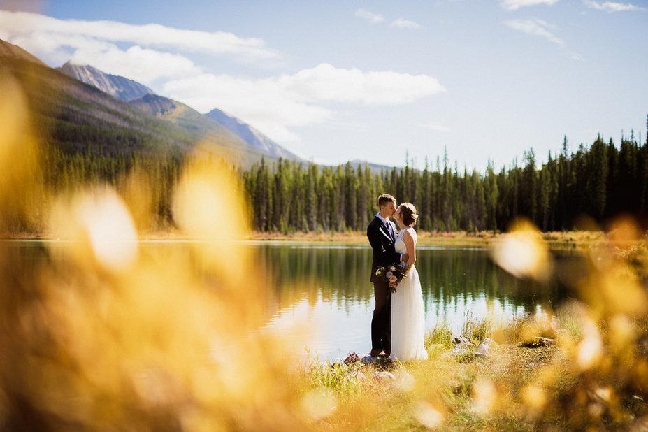 Nature and fall colours at this adventurous wedding at Mount Engadine Lodge, Kananaskis