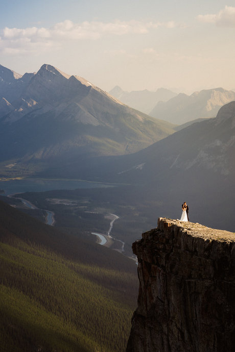 Adventure and landscape wedding photography in Banff