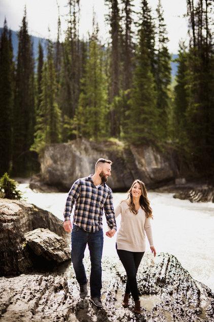 Emerald Lake wedding photographer at Natural Bridge, BC