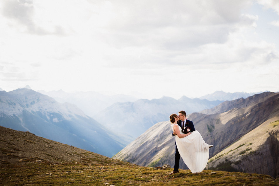 Hiking elopement photographer in Canmore and Banff