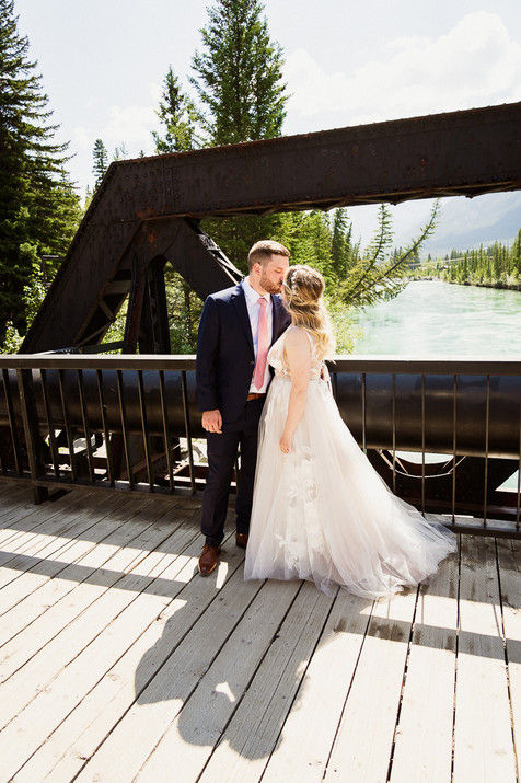 Canmore wedding photographer at Engine Bridge