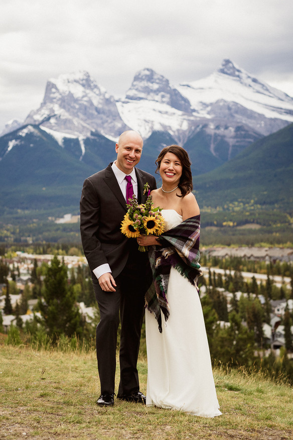 Canmore elopement photographer at Three Sisters viewpoint