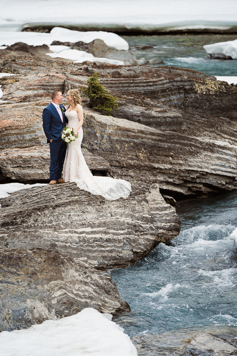 Emerald Lake wedding photographer at the Natural Bridge