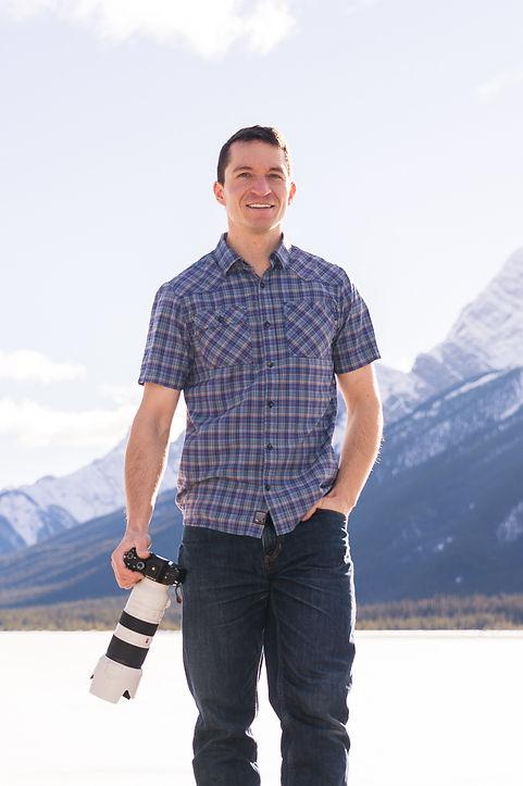 Alex Popov Photography is an award-winning Banff wedding photographer