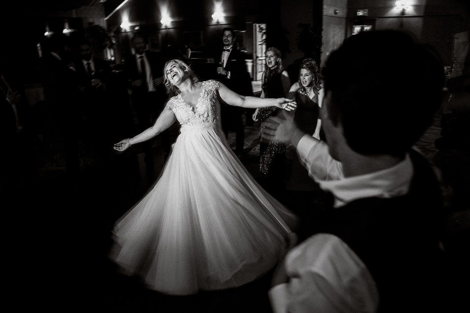 Timeless and classis Banff wedding photography