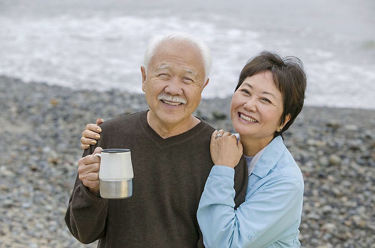 浜辺老夫婦