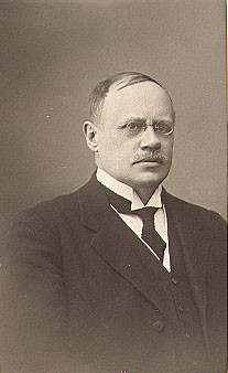 Picture of Edvard Westermark in suit