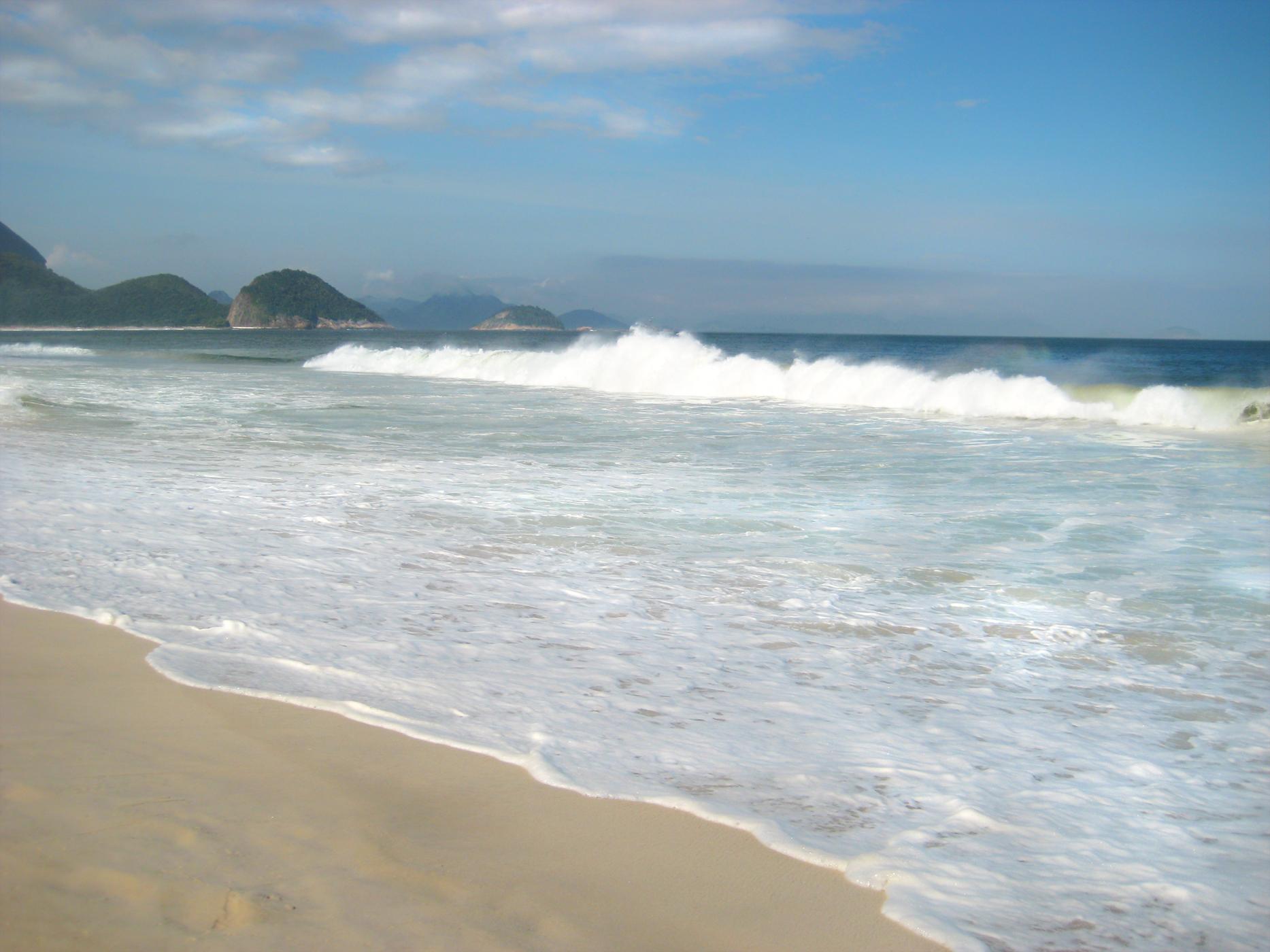 Waves in Ipanima _ Rio Brazil 021