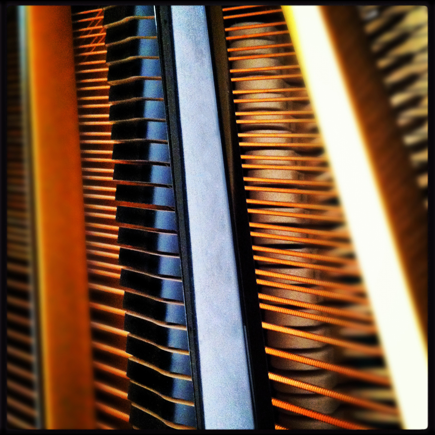 Piano String 0466