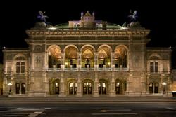 Vienna State Opera at night 5135