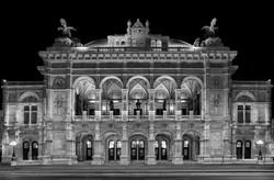 Vienna State Opera at night 5135-BW