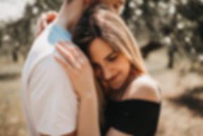 couple-photoshoot-le-marche-italy