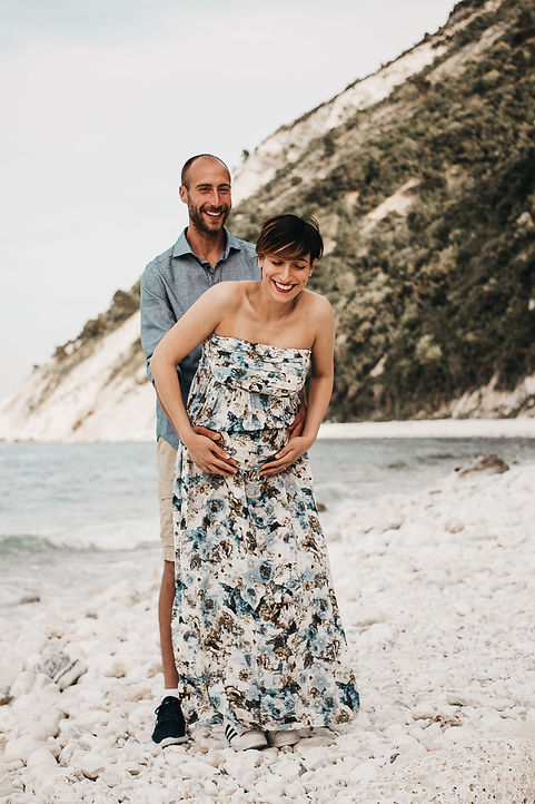 couple-photoshoot-le-marche-italy