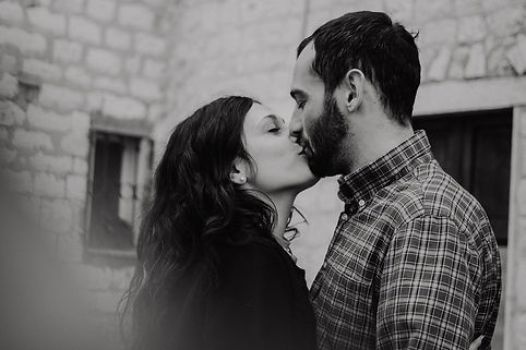 engagement-shooting-in-le-marche-sirolo-italy
